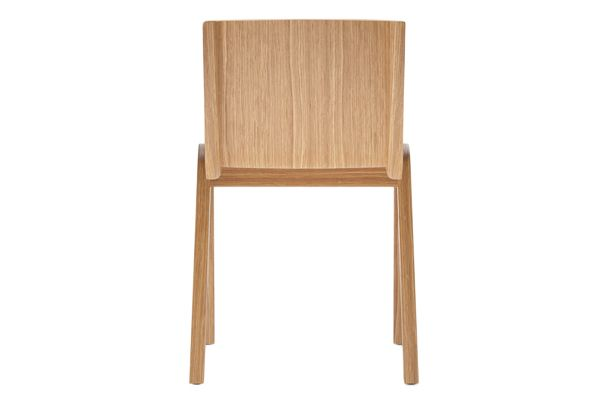https://res.cloudinary.com/clippings/image/upload/t_big/dpr_auto,f_auto,w_auto/v1/products/ready-dining-chair-front-upholstered-price-category-2-natural-oak-menu-matias-m%C3%B8llenbach-and-nick-rasmussen-clippings-11532670.jpg