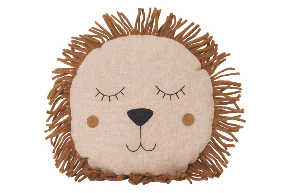 https://res.cloudinary.com/clippings/image/upload/t_big/dpr_auto,f_auto,w_auto/v1/products/safari-cushion-lion-dusty-rose-ferm-living-clippings-11346118.jpg