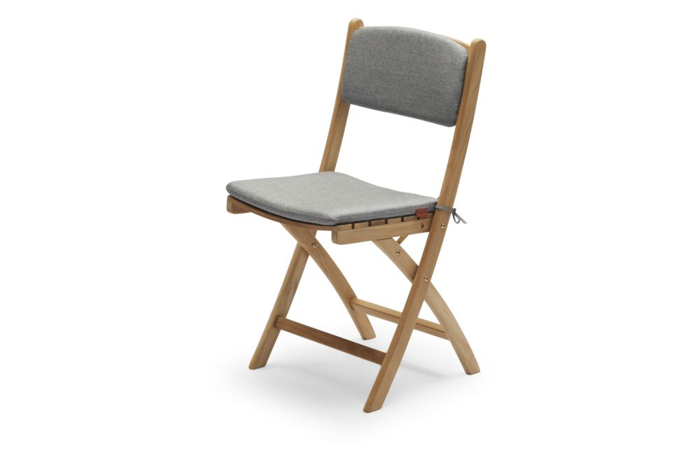 https://res.cloudinary.com/clippings/image/upload/t_big/dpr_auto,f_auto,w_auto/v1/products/selandia-chair-with-cushion-ash-skagerak-clippings-11300857.jpg