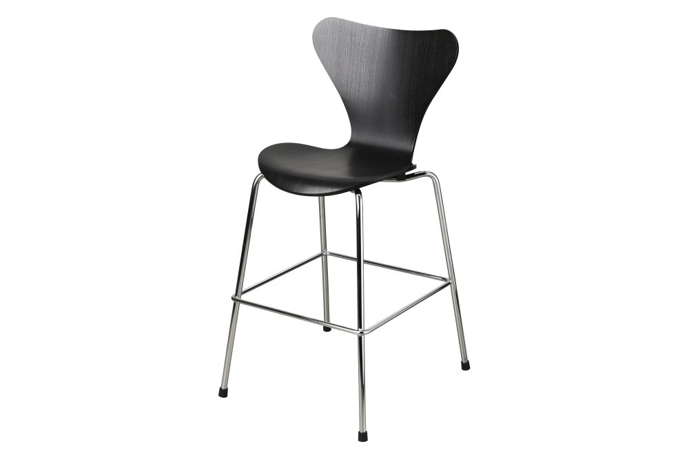 https://res.cloudinary.com/clippings/image/upload/t_big/dpr_auto,f_auto,w_auto/v1/products/series-7-junior-chair-coloured-ash-black-junior-fritz-hansen-arne-jacobsen-clippings-11321533.jpg