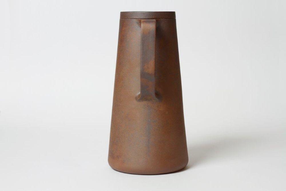 Viewport Studio,Teapots & Cups,brown,earthenware,vase