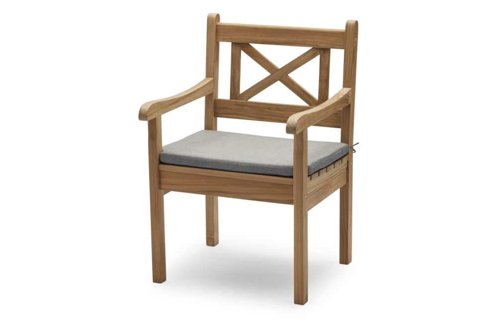 https://res.cloudinary.com/clippings/image/upload/t_big/dpr_auto,f_auto,w_auto/v1/products/skagen-chair-with-cushion-ash-skagerak-clippings-11300861.jpg