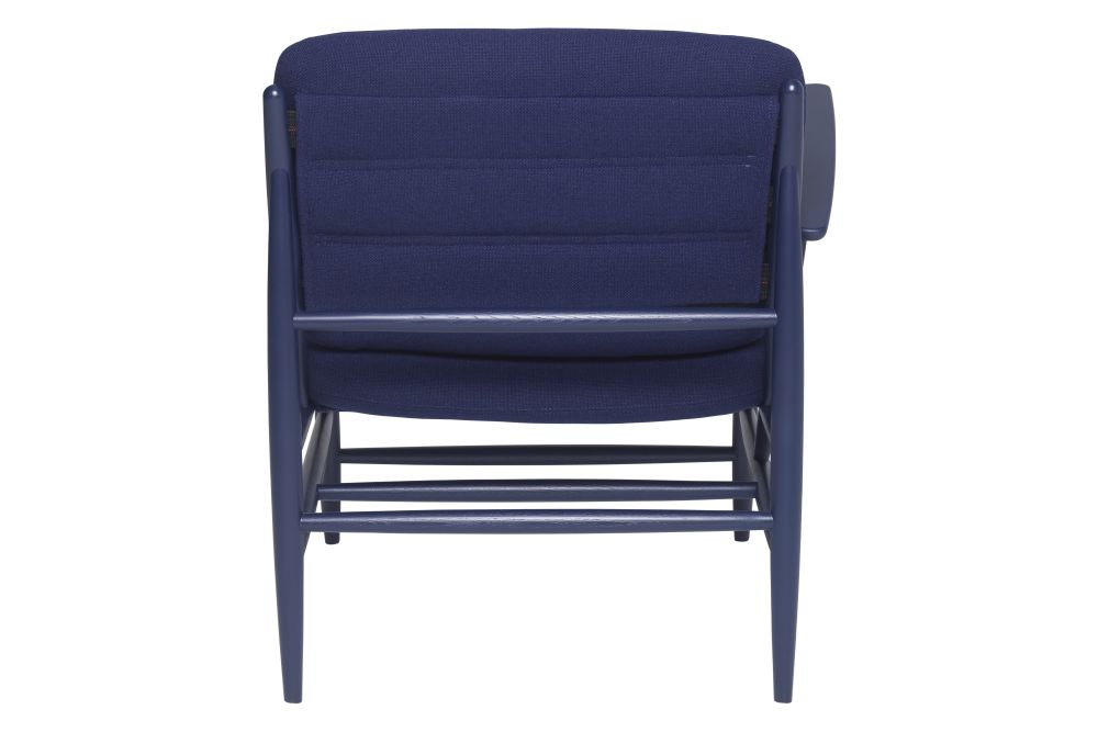 https://res.cloudinary.com/clippings/image/upload/t_big/dpr_auto,f_auto,w_auto/v1/products/von-chair-with-arm-fabric-group-e-right-stains-ash-ercol-hlynur-atlason-clippings-11293496.jpg