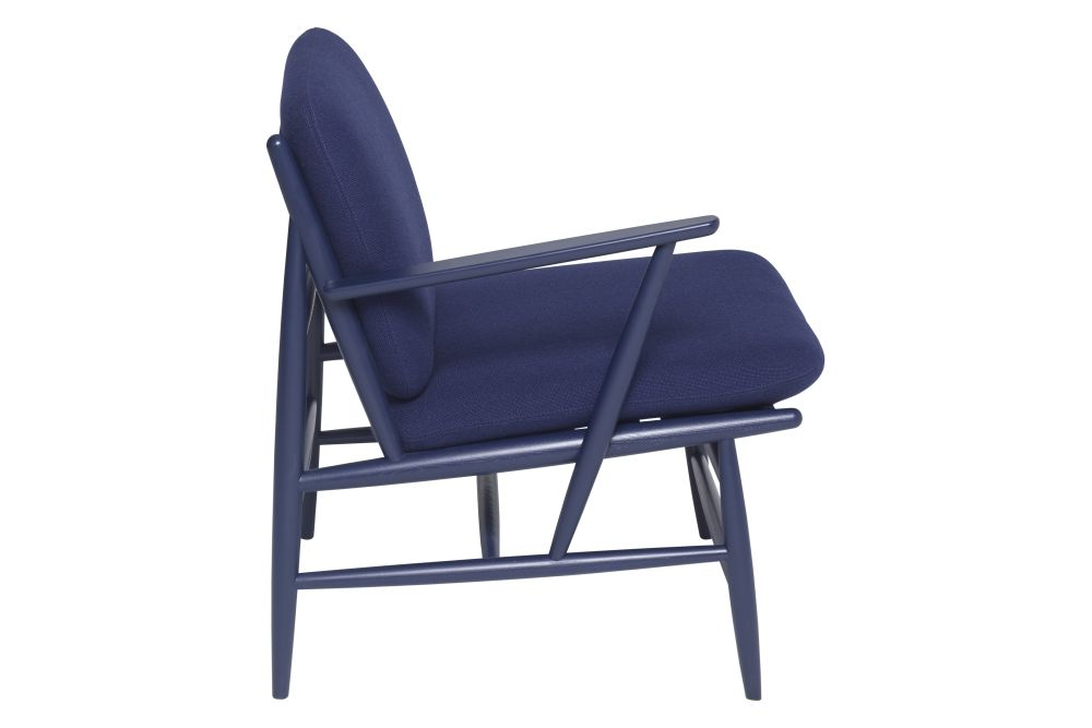 https://res.cloudinary.com/clippings/image/upload/t_big/dpr_auto,f_auto,w_auto/v1/products/von-chair-with-arm-fabric-group-e-right-stains-ash-ercol-hlynur-atlason-clippings-11293498.jpg