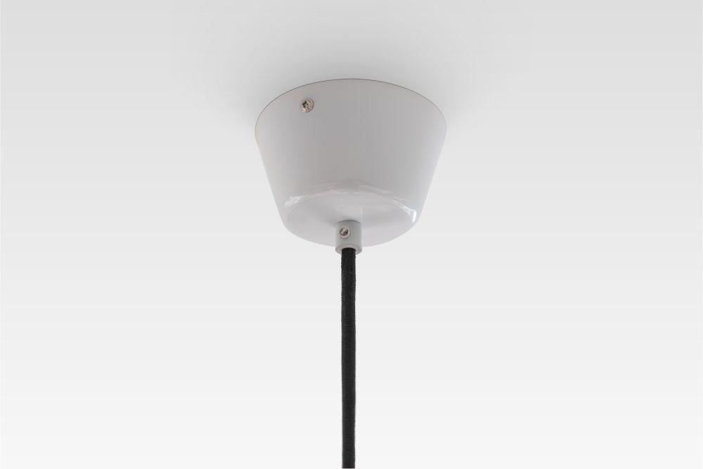 https://res.cloudinary.com/clippings/image/upload/t_big/dpr_auto,f_auto,w_auto/v1/products/yoko-pendant-light-teo-lena-billmeier-david-baur-clippings-1507321.jpg