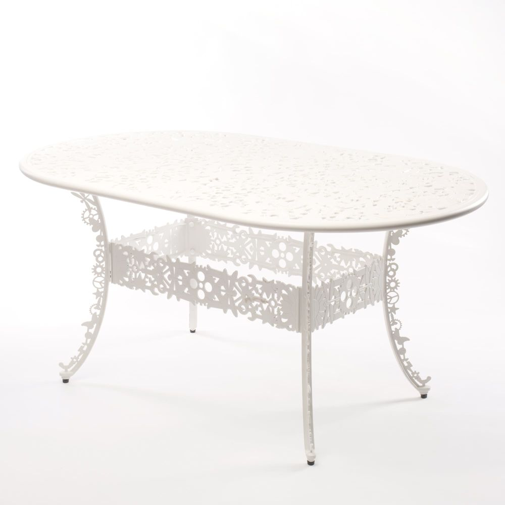 https://res.cloudinary.com/clippings/image/upload/t_big/dpr_auto,f_auto,w_auto/v1491397403/products/industry-aluminium-oval-table-seletti-studio-job-clippings-8842311.jpg