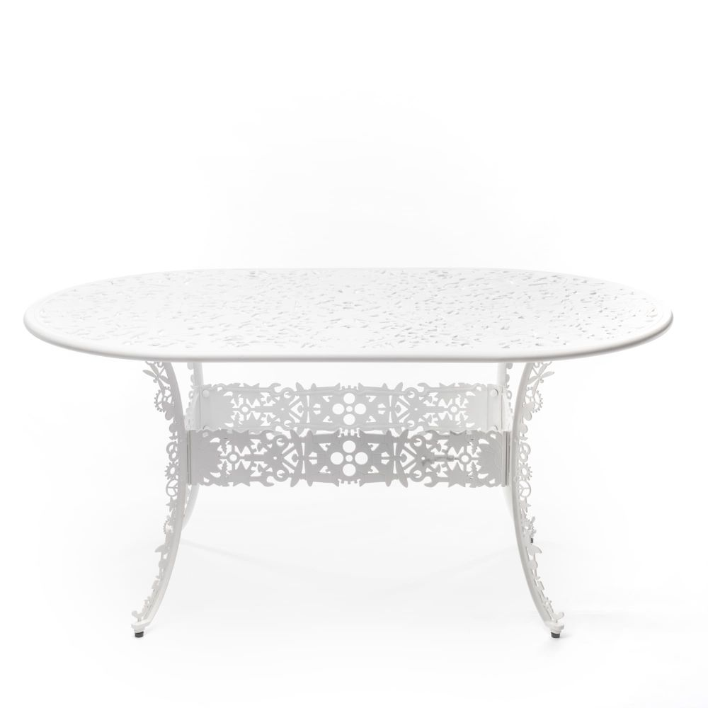 https://res.cloudinary.com/clippings/image/upload/t_big/dpr_auto,f_auto,w_auto/v1491398515/products/industry-aluminium-oval-table-white-seletti-studio-job-clippings-8842711.jpg