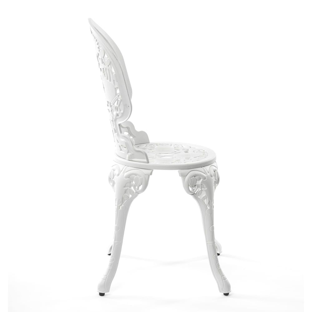 https://res.cloudinary.com/clippings/image/upload/t_big/dpr_auto,f_auto,w_auto/v1491549507/products/industry-aluminium-chair-seletti-studio-job-clippings-8849391.jpg
