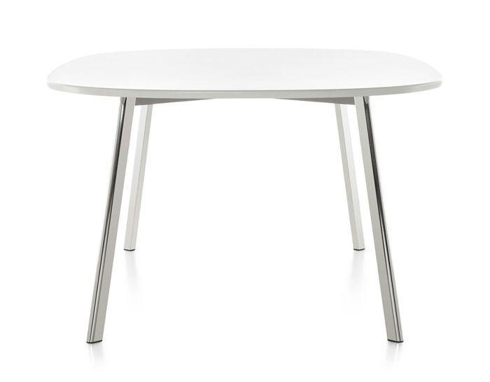 https://res.cloudinary.com/clippings/image/upload/t_big/dpr_auto,f_auto,w_auto/v1491909791/products/d%C3%A9j%C3%A0-vu-dining-table-round-white-top-124-cm-magis-design-naoto-fukasawa-clippings-8864461.jpg
