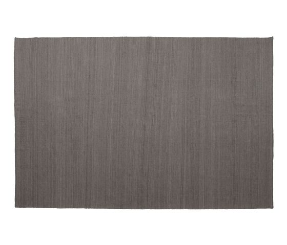 https://res.cloudinary.com/clippings/image/upload/t_big/dpr_auto,f_auto,w_auto/v1493734141/products/nomad-rug-grey-170-x-240-cm-nanimarquina-ariadna-miquel-nani-marquina-clippings-8905691.jpg
