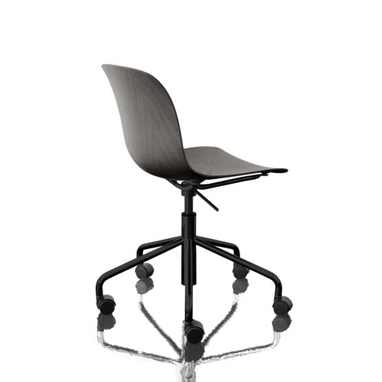 https://res.cloudinary.com/clippings/image/upload/t_big/dpr_auto,f_auto,w_auto/v1493977198/products/troy-chair-swivel-base-on-5-wheels-black-frame-and-seat-magis-design-marcel-wanders-clippings-8910981.jpg
