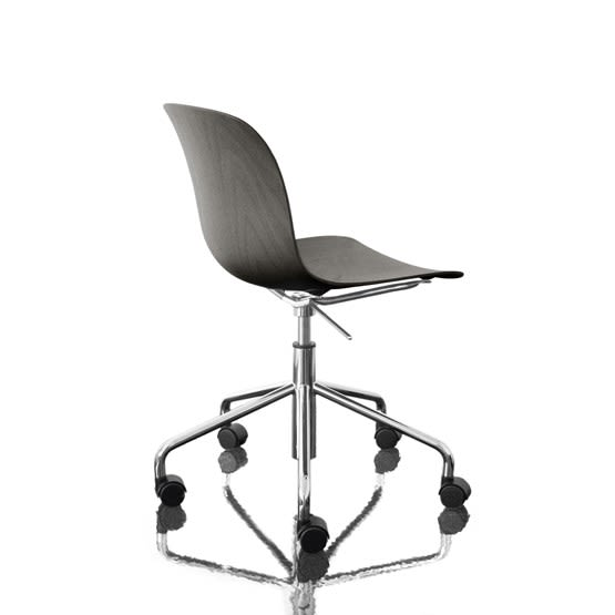 https://res.cloudinary.com/clippings/image/upload/t_big/dpr_auto,f_auto,w_auto/v1493977198/products/troy-chair-swivel-base-on-5-wheels-chromed-frame-black-seat-magis-design-marcel-wanders-clippings-8910971.jpg