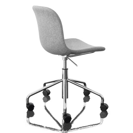 https://res.cloudinary.com/clippings/image/upload/t_big/dpr_auto,f_auto,w_auto/v1493979160/products/troy-chair-swivel-base-on-5-wheels-fully-upholstered-divina-melange-2-120-fabric-and-chromed-base-magis-design-marcel-wanders-clippings-8911241.jpg