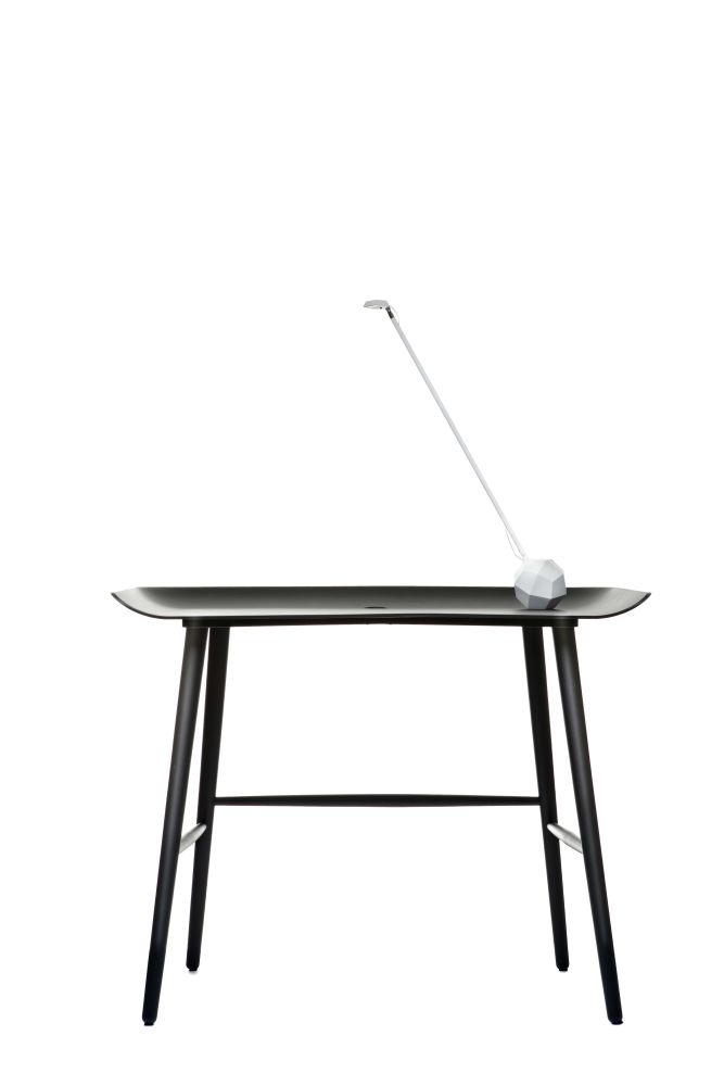 https://res.cloudinary.com/clippings/image/upload/t_big/dpr_auto,f_auto,w_auto/v1494587715/products/woood-desk-moooi-marcel-wanders-clippings-8918981.jpg
