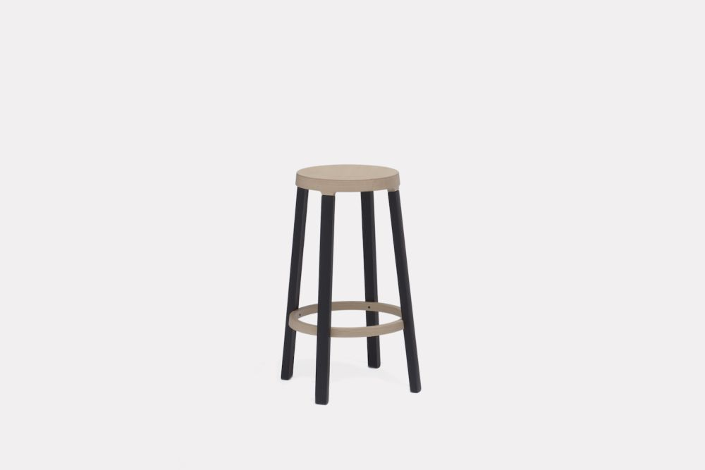 https://res.cloudinary.com/clippings/image/upload/t_big/dpr_auto,f_auto,w_auto/v1495617385/products/step-bar-stool-blue-black-65cm-established-sons-federico-gregorutti-clippings-8953601.jpg