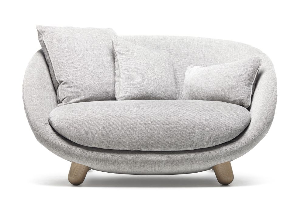 https://res.cloudinary.com/clippings/image/upload/t_big/dpr_auto,f_auto,w_auto/v1496127123/products/love-sofa-moooi-marcel-wanders-clippings-8973021.jpg