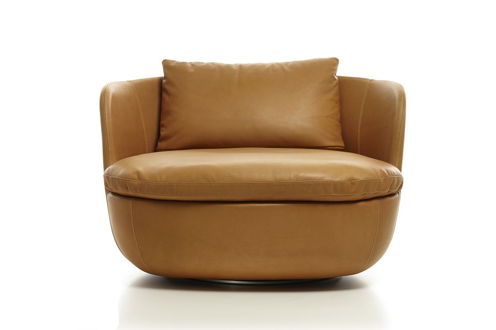 https://res.cloudinary.com/clippings/image/upload/t_big/dpr_auto,f_auto,w_auto/v1496139121/products/bart-swivel-armchair-cervino-leather-cognac-moooi-moooi-works-clippings-8974521.jpg