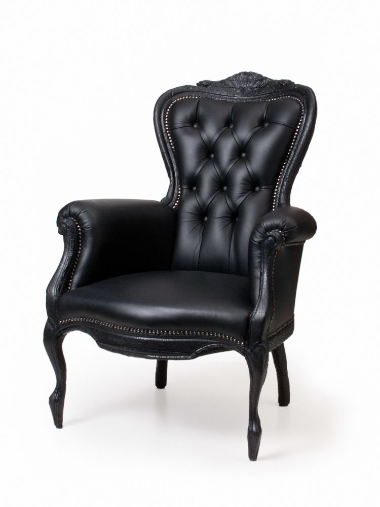 https://res.cloudinary.com/clippings/image/upload/t_big/dpr_auto,f_auto,w_auto/v1497004614/products/smoke-armchair-moooi-maarten-baas-clippings-9026881.jpg