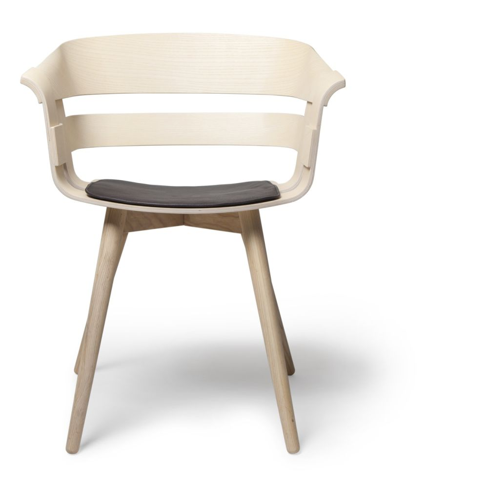 https://res.cloudinary.com/clippings/image/upload/t_big/dpr_auto,f_auto,w_auto/v1500027549/products/wick-chair-wooden-legs-design-house-stockholm-clippings-9260061.jpg