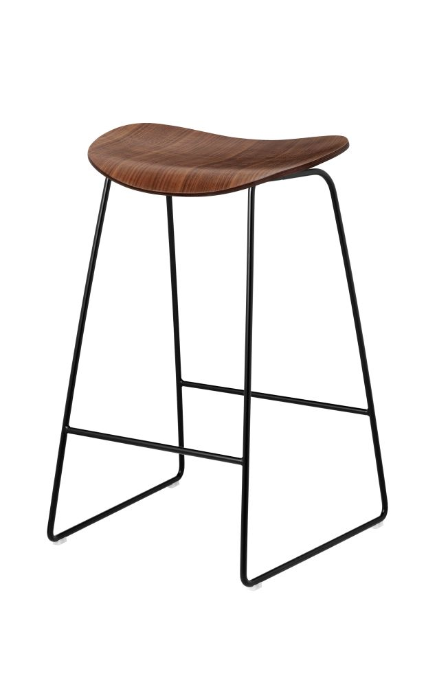 https://res.cloudinary.com/clippings/image/upload/t_big/dpr_auto,f_auto,w_auto/v1500453519/products/gubi-2d-counter-stool-sledge-base-unupholstered-gubi-komplot-design-clippings-9268631.jpg