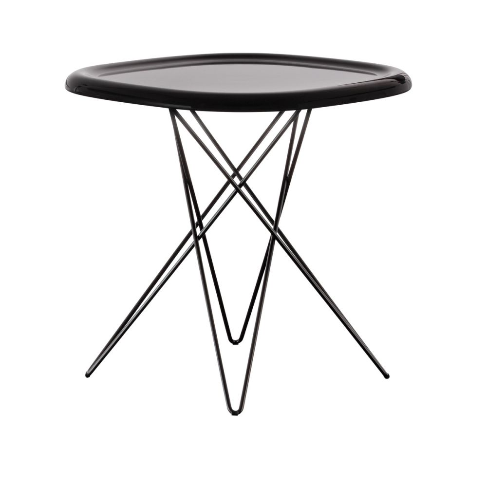 https://res.cloudinary.com/clippings/image/upload/t_big/dpr_auto,f_auto,w_auto/v1500874960/products/pizza-side-table-magis-design-naoto-fukasawa-clippings-9282051.jpg