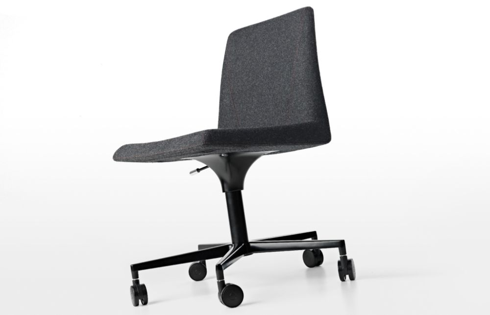 https://res.cloudinary.com/clippings/image/upload/t_big/dpr_auto,f_auto,w_auto/v1501487574/products/plate-50-5-base-chair-with-castors-kristalia-luca-nichetto-clippings-9322361.jpg