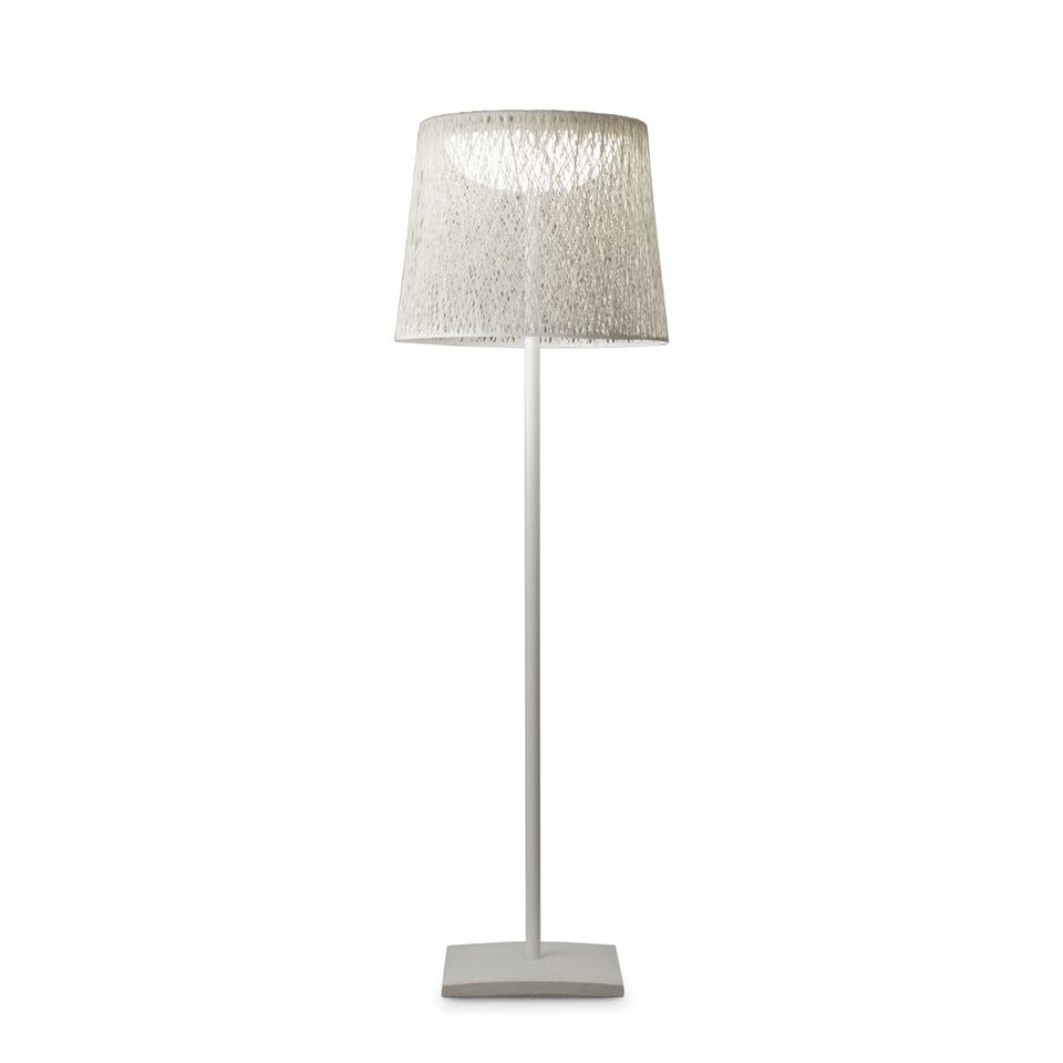 https://res.cloudinary.com/clippings/image/upload/t_big/dpr_auto,f_auto,w_auto/v1502956943/products/wind-floor-lamp-vibia-jordi-vilardell-clippings-9371211.jpg