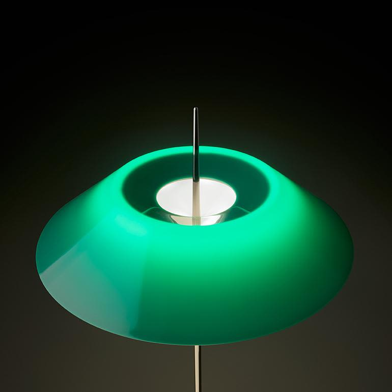 https://res.cloudinary.com/clippings/image/upload/t_big/dpr_auto,f_auto,w_auto/v1503048695/products/mayfair-table-lamp-vibia-diego-fortunato-clippings-9374571.jpg