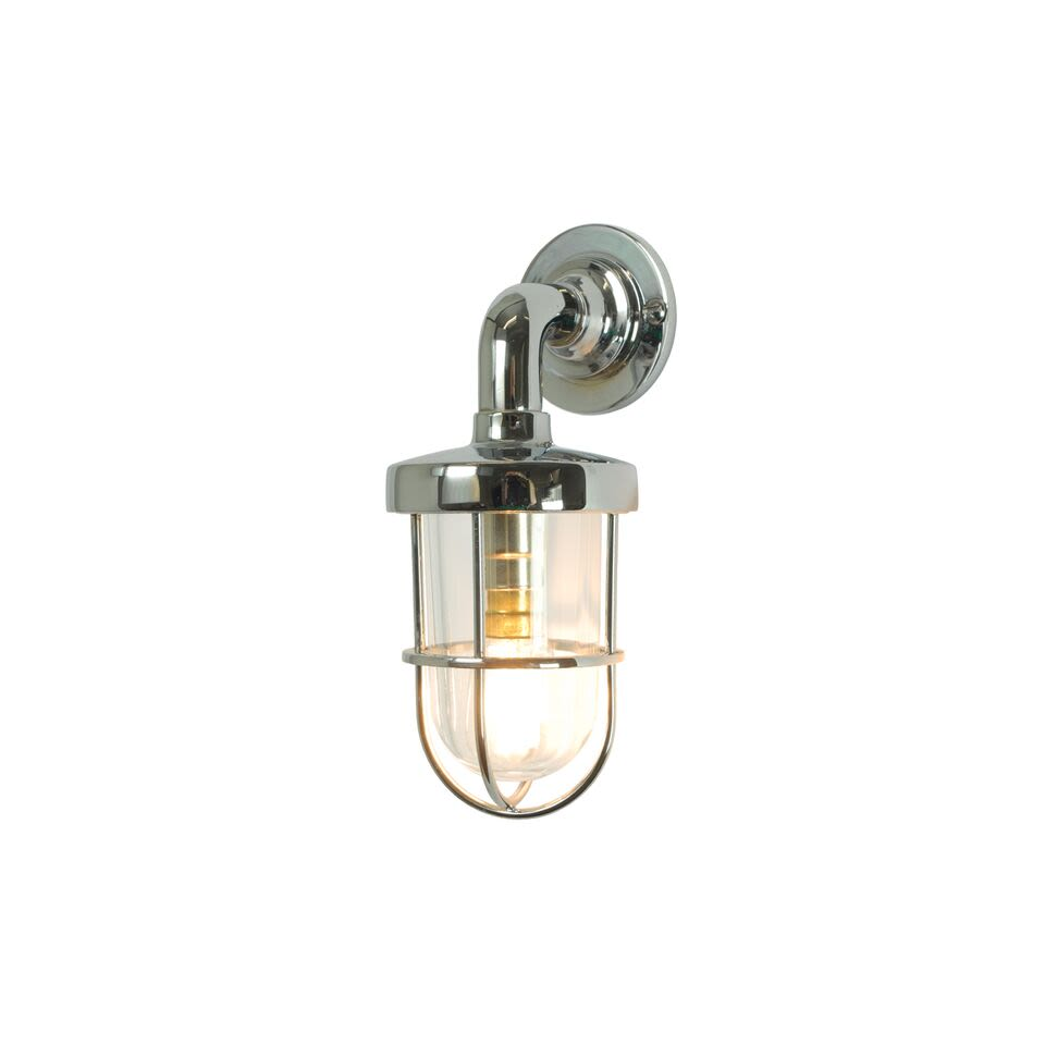 https://res.cloudinary.com/clippings/image/upload/t_big/dpr_auto,f_auto,w_auto/v1504782481/products/miniature-weatherproof-ships-well-glass-light-7207-davey-lighting-clippings-9433061.jpg