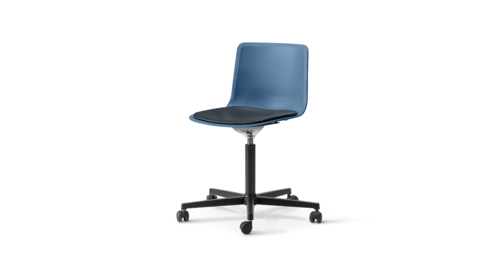 https://res.cloudinary.com/clippings/image/upload/t_big/dpr_auto,f_auto,w_auto/v1504782902/products/pato-office-chair-with-seat-upholstery-fredericia-welling-ludvik-clippings-9433201.png