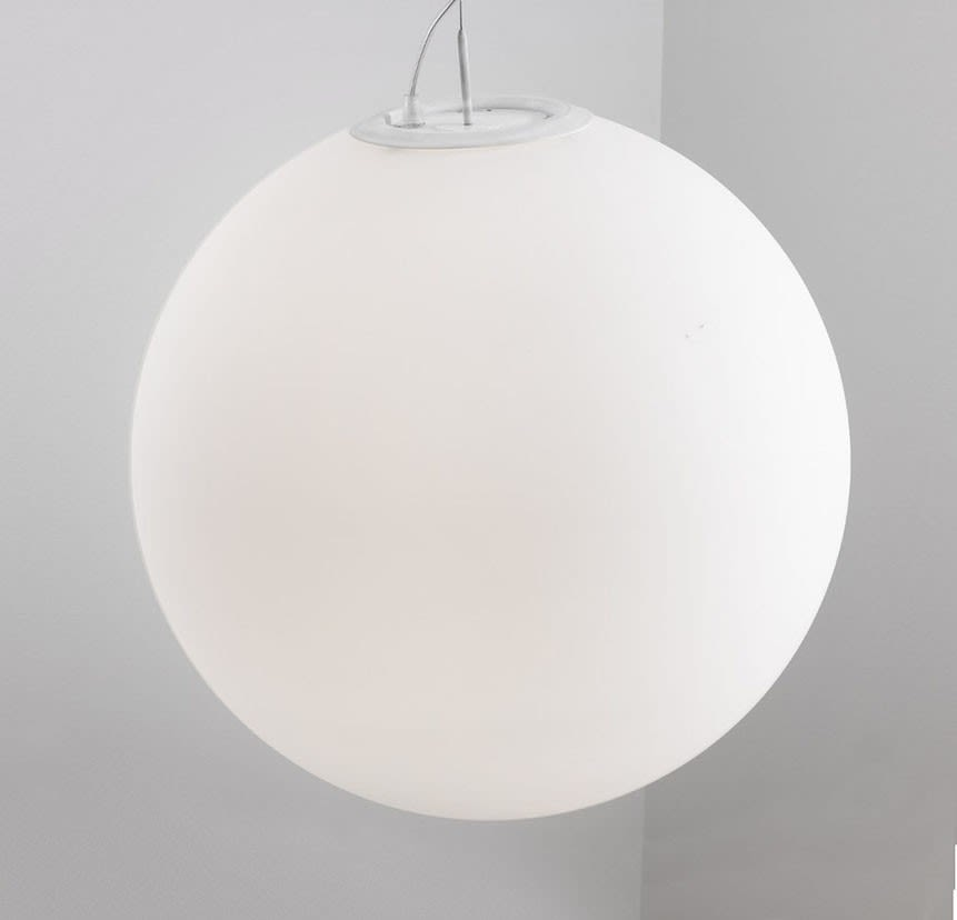 https://res.cloudinary.com/clippings/image/upload/t_big/dpr_auto,f_auto,w_auto/v1504859846/products/globe-suspension-light-blux-jan-van-lierde-clippings-9436271.jpg
