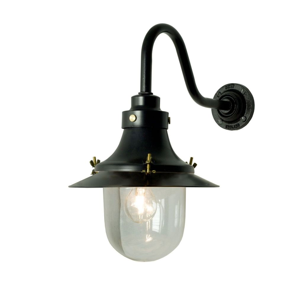https://res.cloudinary.com/clippings/image/upload/t_big/dpr_auto,f_auto,w_auto/v1505374913/products/ships-small-decklight-wall-light-7125-davey-lighting-clippings-9451001.jpg