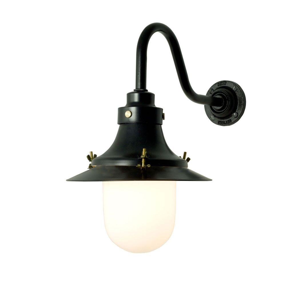 https://res.cloudinary.com/clippings/image/upload/t_big/dpr_auto,f_auto,w_auto/v1505374913/products/ships-small-decklight-wall-light-7125-davey-lighting-clippings-9451041.jpg