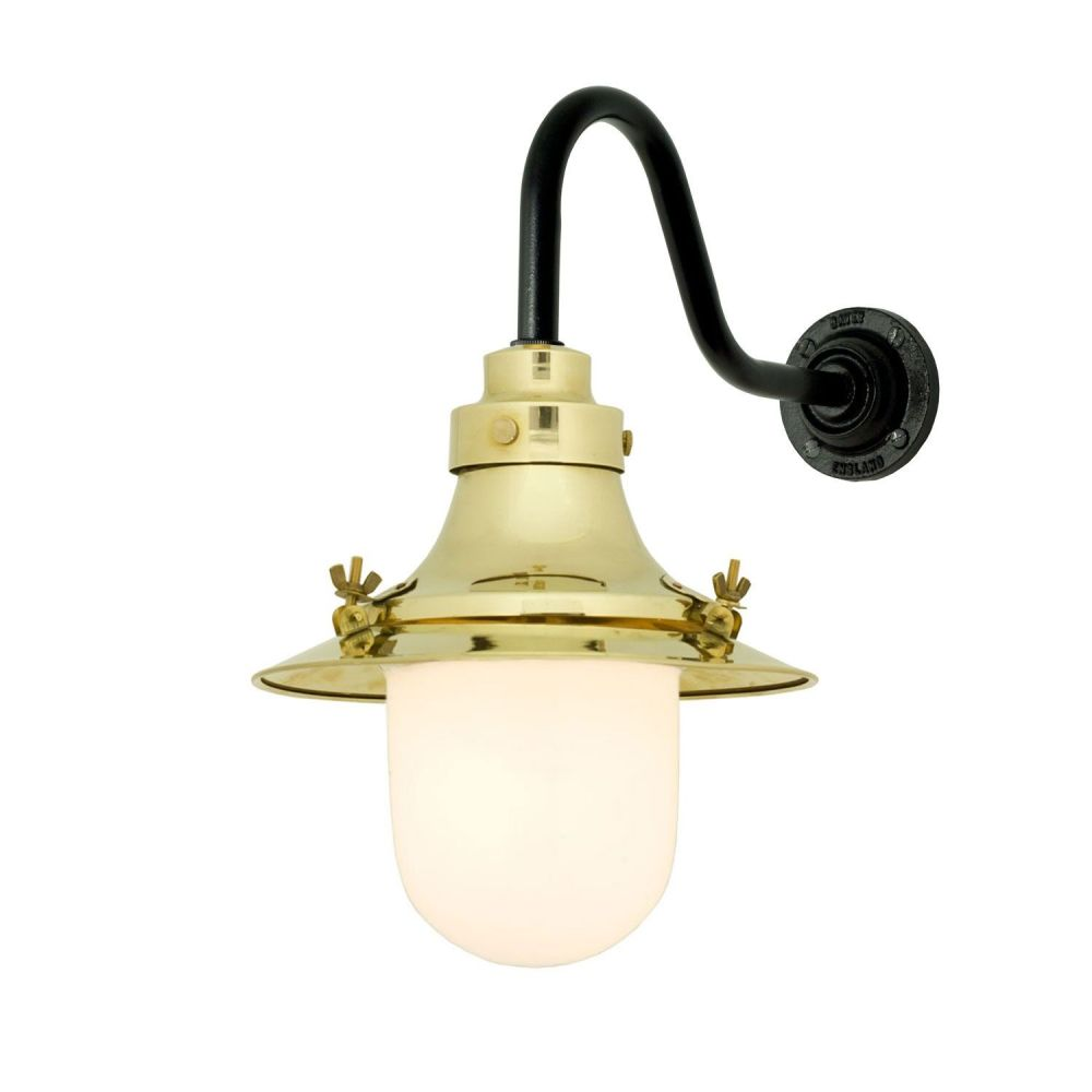 https://res.cloudinary.com/clippings/image/upload/t_big/dpr_auto,f_auto,w_auto/v1505374913/products/ships-small-decklight-wall-light-7125-davey-lighting-clippings-9451051.jpg