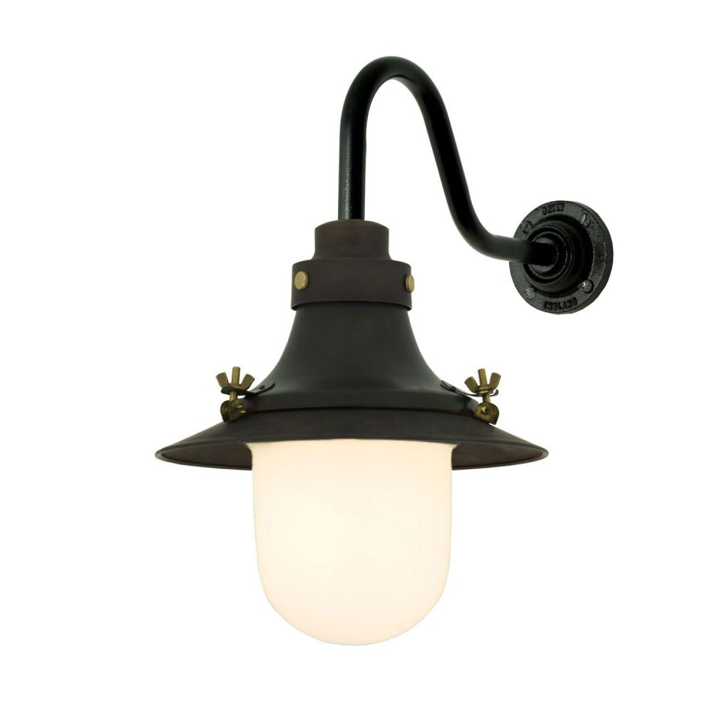 https://res.cloudinary.com/clippings/image/upload/t_big/dpr_auto,f_auto,w_auto/v1505375360/products/ships-small-decklight-wall-light-7125-davey-lighting-clippings-9451211.jpg