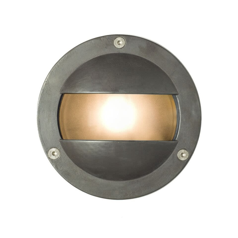 https://res.cloudinary.com/clippings/image/upload/t_big/dpr_auto,f_auto,w_auto/v1505384458/products/miniature-exterior-bulkhead-8037-davey-lighting-clippings-9453391.jpg