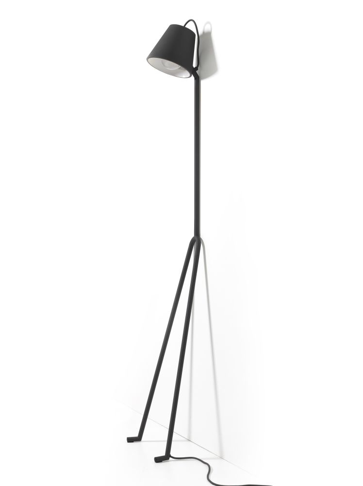 https://res.cloudinary.com/clippings/image/upload/t_big/dpr_auto,f_auto,w_auto/v1505905191/products/ma%C3%B1ana-floor-lamp-design-house-stockholm-marielouise-gustafsson-clippings-9482071.jpg