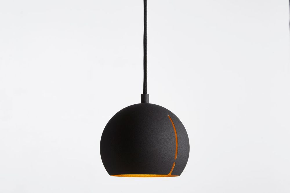 https://res.cloudinary.com/clippings/image/upload/t_big/dpr_auto,f_auto,w_auto/v1507186516/products/gap-pendant-light-round-woud-studio-nur-clippings-9508761.jpg