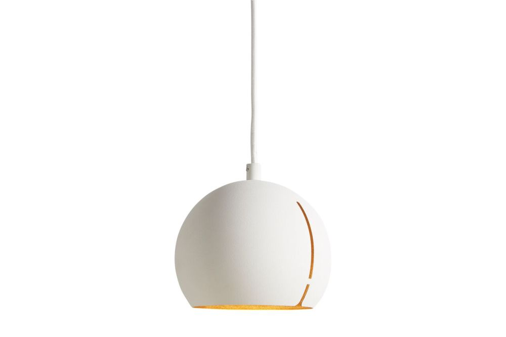 https://res.cloudinary.com/clippings/image/upload/t_big/dpr_auto,f_auto,w_auto/v1507186517/products/gap-pendant-light-round-woud-studio-nur-clippings-9508771.jpg