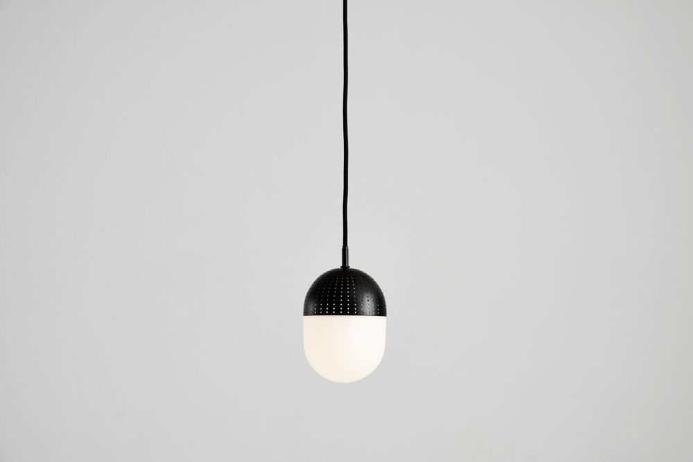 https://res.cloudinary.com/clippings/image/upload/t_big/dpr_auto,f_auto,w_auto/v1507188308/products/dot-pendant-light-medium-woud-rikke-frost-clippings-9509271.jpg
