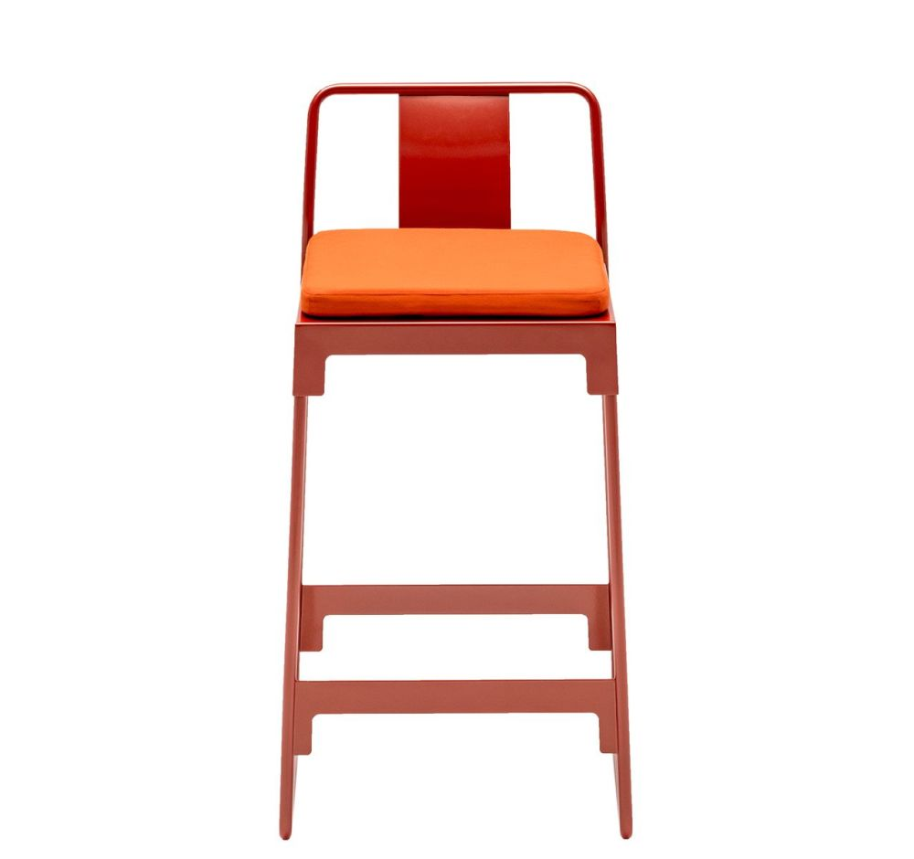 https://res.cloudinary.com/clippings/image/upload/t_big/dpr_auto,f_auto,w_auto/v1507543135/products/mingx-outdoor-low-stool-with-back-driade-konstantin-grcic-clippings-9525821.jpg