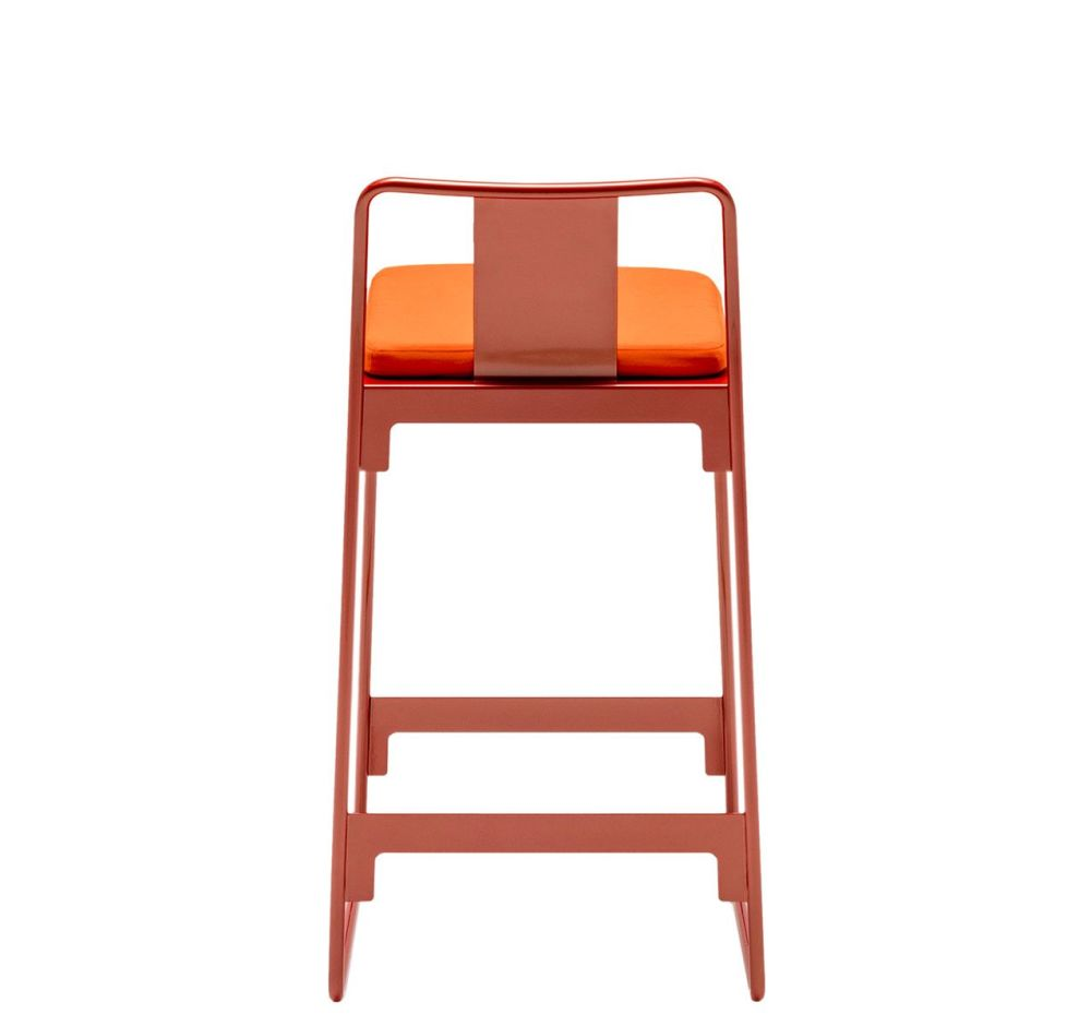 https://res.cloudinary.com/clippings/image/upload/t_big/dpr_auto,f_auto,w_auto/v1507543137/products/mingx-outdoor-low-stool-with-back-driade-konstantin-grcic-clippings-9525831.jpg