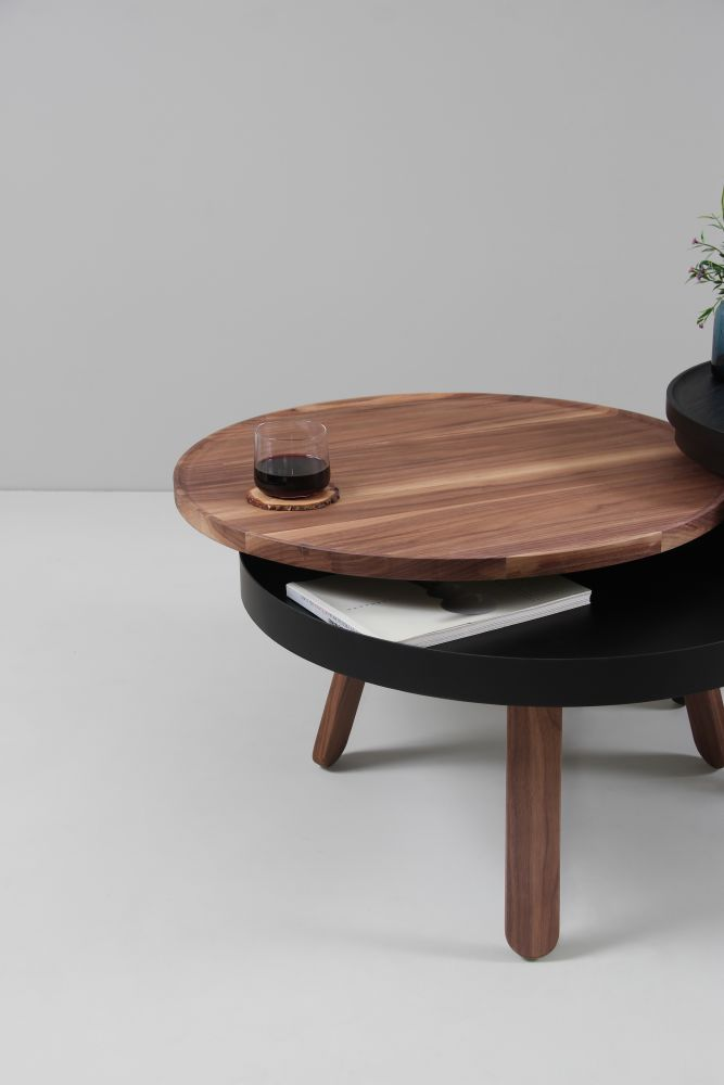 https://res.cloudinary.com/clippings/image/upload/t_big/dpr_auto,f_auto,w_auto/v1507714535/products/batea-m-coffee-table-with-storage-woodendot-mar%C3%ADa-vargas-daniel-garc%C3%ADa-clippings-9533631.jpg