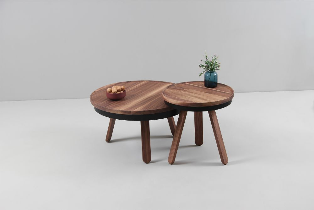 https://res.cloudinary.com/clippings/image/upload/t_big/dpr_auto,f_auto,w_auto/v1507714574/products/batea-m-coffee-table-with-storage-woodendot-mar%C3%ADa-vargas-daniel-garc%C3%ADa-clippings-9533671.jpg