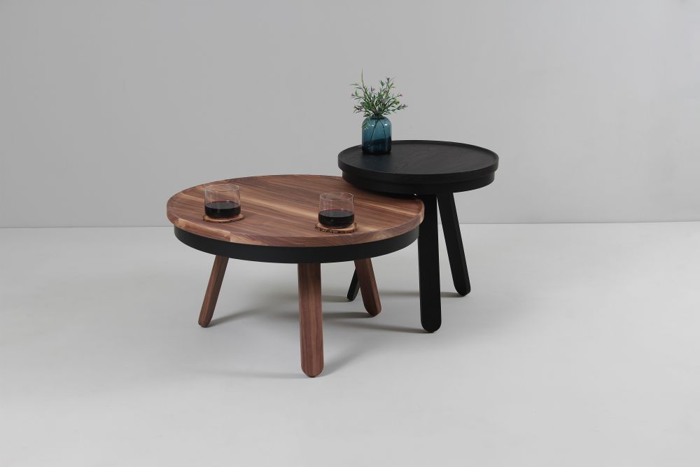https://res.cloudinary.com/clippings/image/upload/t_big/dpr_auto,f_auto,w_auto/v1507714582/products/batea-m-coffee-table-with-storage-woodendot-mar%C3%ADa-vargas-daniel-garc%C3%ADa-clippings-9533681.jpg