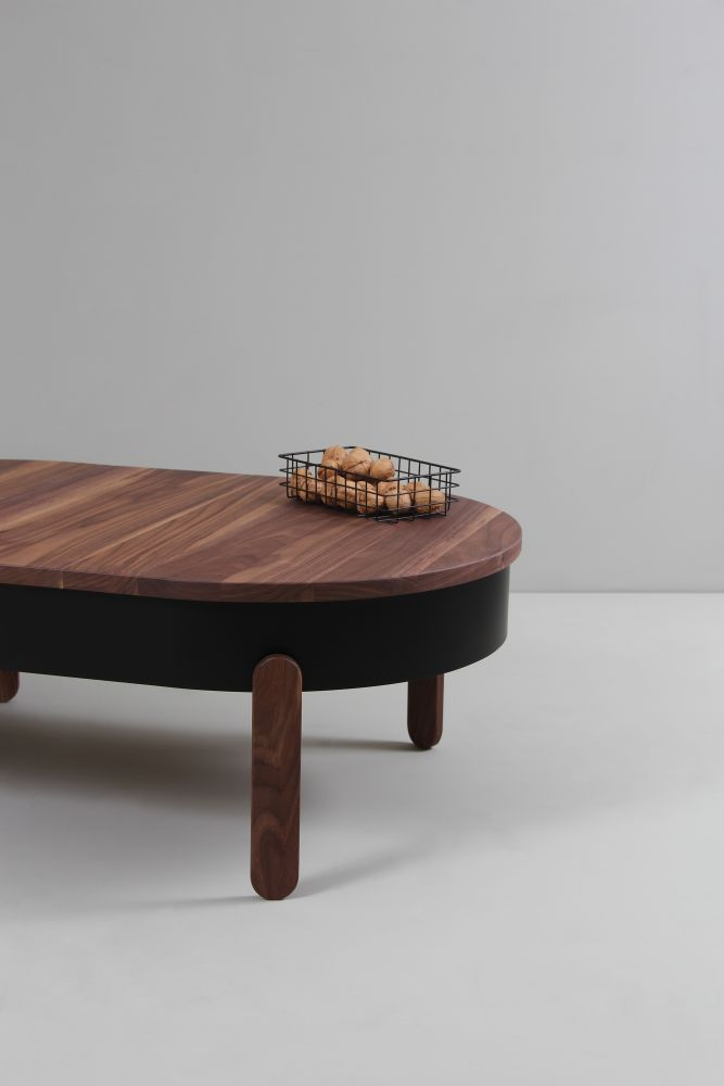 https://res.cloudinary.com/clippings/image/upload/t_big/dpr_auto,f_auto,w_auto/v1507715650/products/batea-l-coffe-table-with-storage-woodendot-mar%C3%ADa-vargas-daniel-garc%C3%ADa-clippings-9533761.jpg