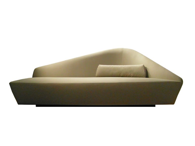 https://res.cloudinary.com/clippings/image/upload/t_big/dpr_auto,f_auto,w_auto/v1508758933/products/verlaine-sofa-w230-driade-lievore-altherr-molina-clippings-9584181.jpg