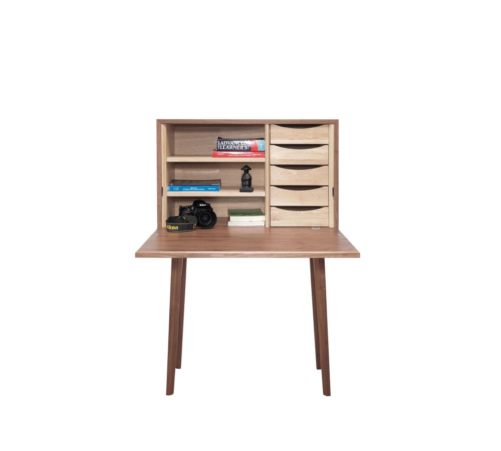 https://res.cloudinary.com/clippings/image/upload/t_big/dpr_auto,f_auto,w_auto/v1509432630/products/mister-sideboard-wewood-daniel-duarte-clippings-9600061.jpg