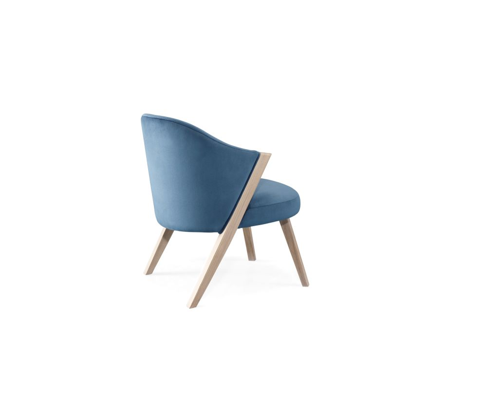 https://res.cloudinary.com/clippings/image/upload/t_big/dpr_auto,f_auto,w_auto/v1509960922/products/caravela-lounge-chair-wewood-gon%C3%A7alo-campos-clippings-9615871.jpg