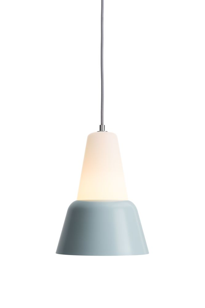 https://res.cloudinary.com/clippings/image/upload/t_big/dpr_auto,f_auto,w_auto/v1510574902/products/modu-pendant-light-large-glass-bluegray-teo-lena-billmeier-david-baur-clippings-1505411.jpg
